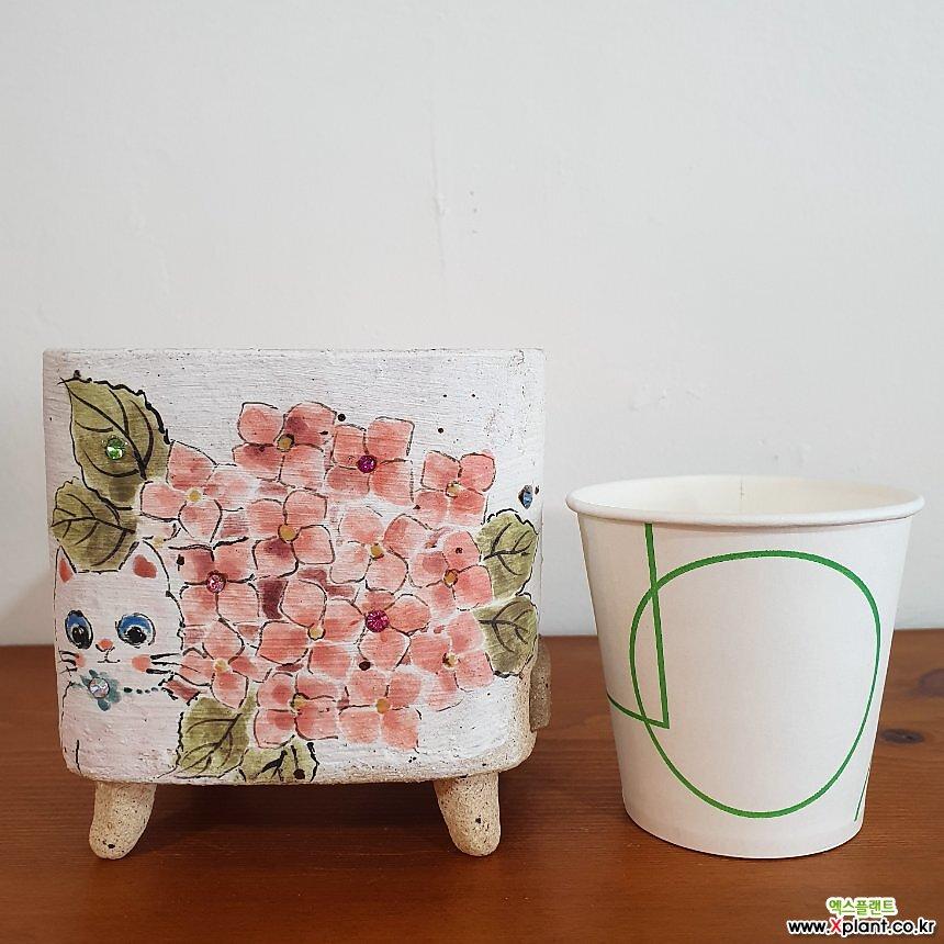 047 분홍 꽃과 하얀 고양이 다육 수제화분