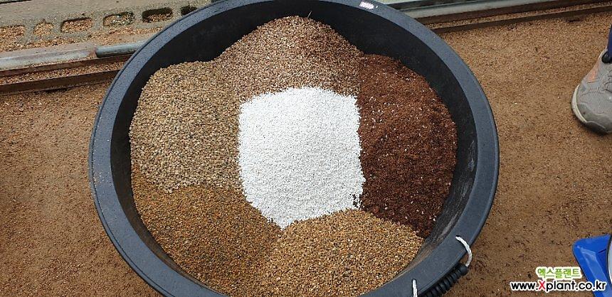 다육분갈이흙10kg  산야초.동생사.적옥토.상토.마사토.휴가토펄라이트